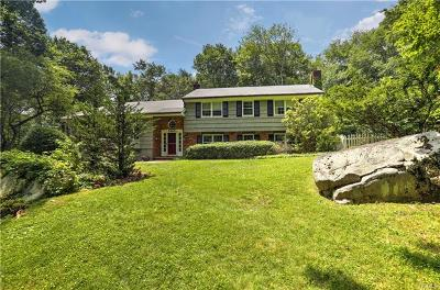 Connecticut Single Family Home For Sale: 15 Thayer Pond Road