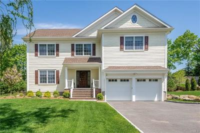 New Rochelle Single Family Home For Sale: 11 Hillandale Drive