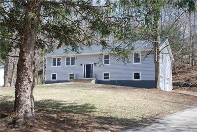 Chappaqua Single Family Home For Sale: 19 Whitlaw Close