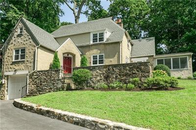 Pleasantville Single Family Home For Sale: 11 Tioga Lane