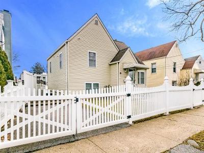 Bronx Single Family Home For Sale: 154 Kearney Avenue