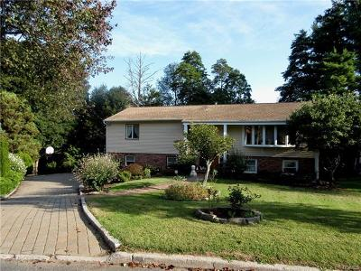 White Plains Single Family Home For Sale: 19 Lark Avenue