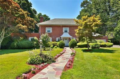 New Rochelle Single Family Home For Sale: 130 Lovell Road