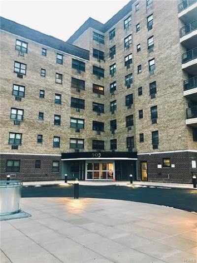 Westchester County Co-Operative For Sale: 505 Central Avenue #721