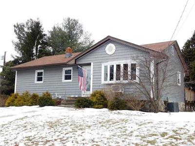 Middletown Single Family Home For Sale: 19 Dun Donald Circle
