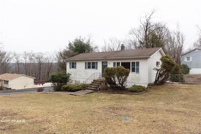 Monroe Single Family Home For Sale: 21 Birch Drive