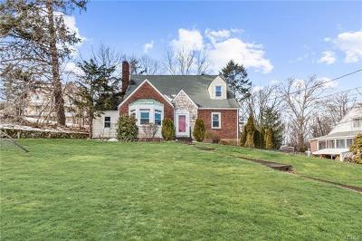 Newburgh Single Family Home For Sale: 385 Carpenter Avenue