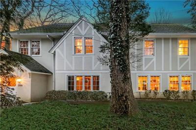 Scarsdale Single Family Home For Sale: 208 Old Army Road
