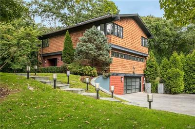 Mamaroneck Single Family Home For Sale: 14 Leatherstocking Lane