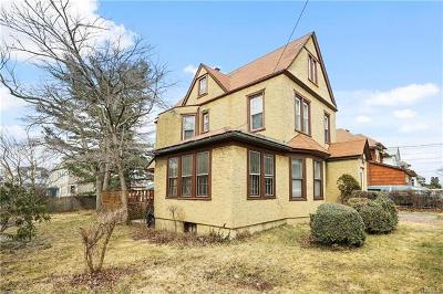 Yonkers Single Family Home For Sale: 99 Briggs Avenue