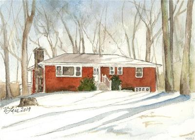 Putnam County Single Family Home For Sale: 33 Somerset Lane