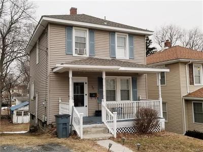 Newburgh Single Family Home For Sale: 44 Poplar Street
