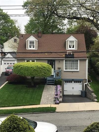 Yonkers Single Family Home For Sale: 68 Hardy Place