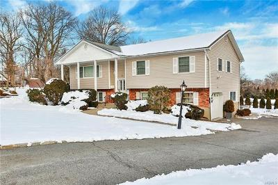 Rockland County Single Family Home For Sale: 12 Levere Court