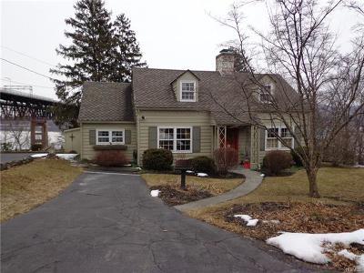 Newburgh Single Family Home For Sale: 17 Whitehill Terrace