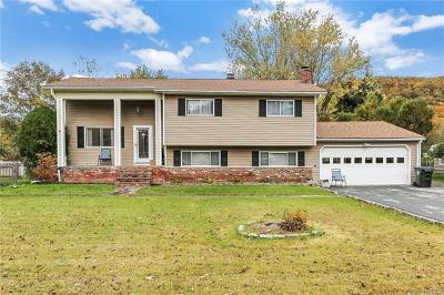 Monroe Single Family Home For Sale: 46 Merriewold Lane North