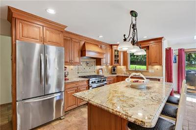 Amawalk Single Family Home For Sale: 31 Watergate Drive