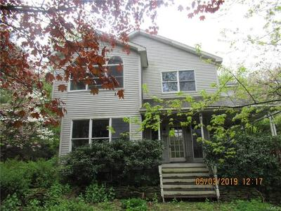 Pine Island Single Family Home For Sale: 20 Willow Lane