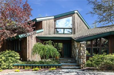 Scarsdale Single Family Home For Sale: 6 Crawford Lane