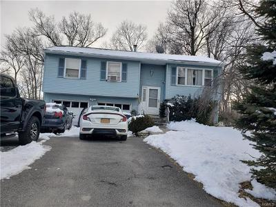 Middletown Single Family Home For Sale: 28 Ross Lane