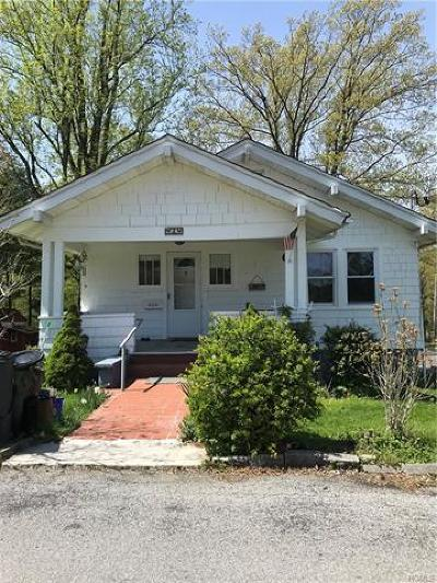 Cornwall Single Family Home For Sale: 2 Center Street