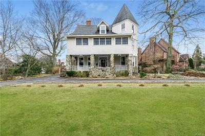 Pelham Single Family Home For Sale: 1364 Manor Circle