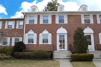 Rockland County Condo/Townhouse For Sale: 464 Hopi Court