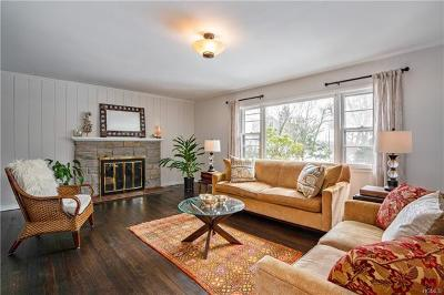 Scarsdale Single Family Home For Sale: 17 Doris Drive