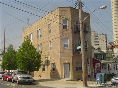 Morris Park Rental For Rent: 1181 Sackett Avenue #3R