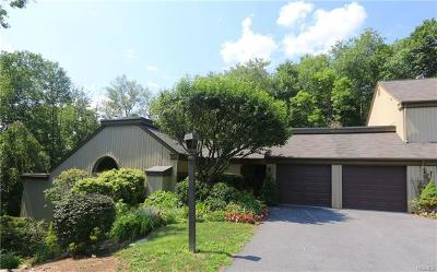 Westchester County Condo/Townhouse For Sale: 126 Heritage Hills #A