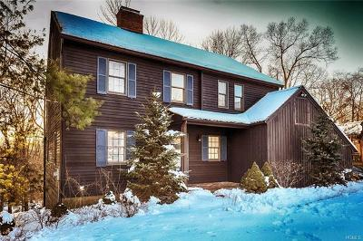 Westchester County Single Family Home For Sale: 27 Hunt Farm Road