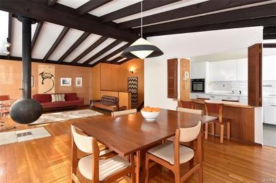 Irvington Single Family Home For Sale: 11 Cottontail Lane
