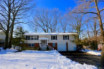 Westchester County Single Family Home For Sale: 5 Hastings Close