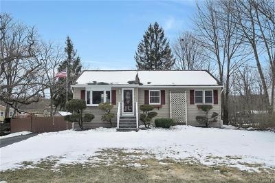 Monroe Single Family Home For Sale: 264 Cromwell Hill