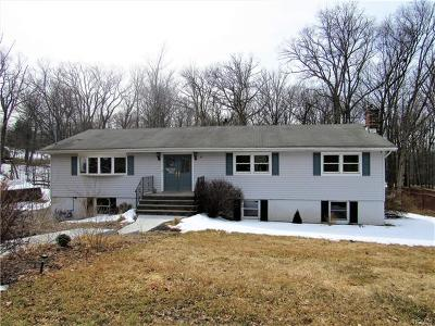 Goshen Single Family Home For Sale: 3 Camelot Drive