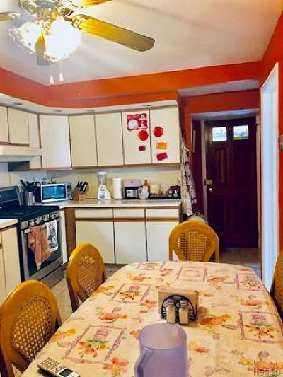 Westchester County Single Family Home For Sale: 39 Vernon Place