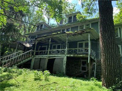 Monroe Single Family Home For Sale: 556 Lakes Road