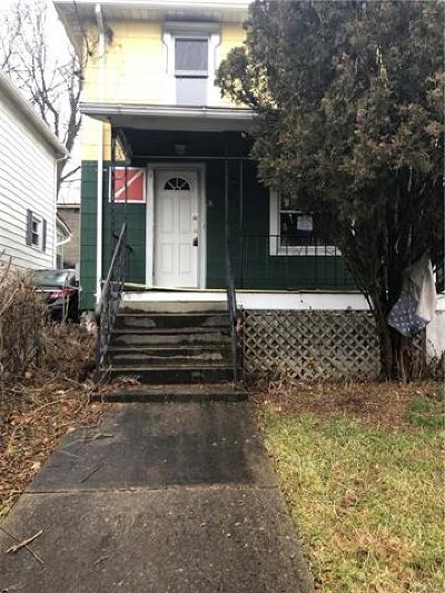 Newburgh Single Family Home For Sale: 98 Dupont Avenue