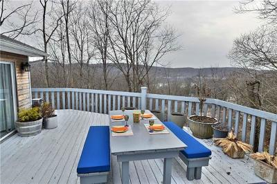 Greenwood Lake Single Family Home For Sale: 48 Blueberry Hill
