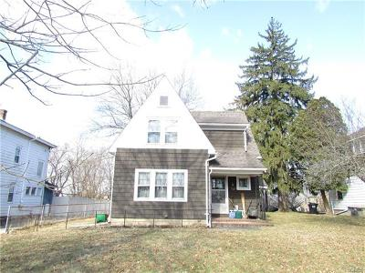 Walden Single Family Home For Sale: 170 Ulster Avenue