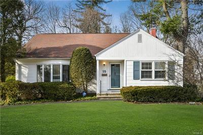 Westchester County Single Family Home For Sale: 15 Carlyle Place