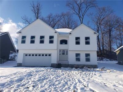Maybrook Single Family Home For Sale: 105 Logans Way
