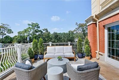 Larchmont Condo/Townhouse For Sale: 10 Byron Place #PH702