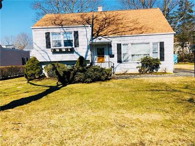 Yonkers Single Family Home For Sale: 25 Rugby Road