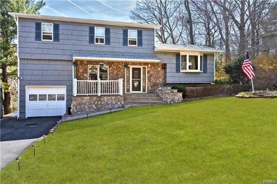 Putnam County Single Family Home For Sale: 207 Dahlia Drive