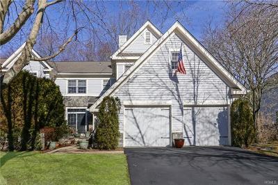 White Plains Single Family Home For Sale: 15 Cobblefield Lane