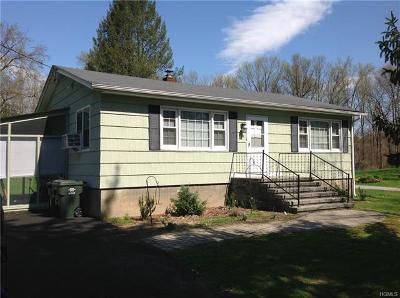 Newburgh Single Family Home For Sale: 49 Lakeside Road