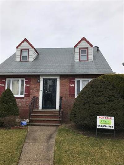 Single Family Home For Sale: 118-18 225th Street