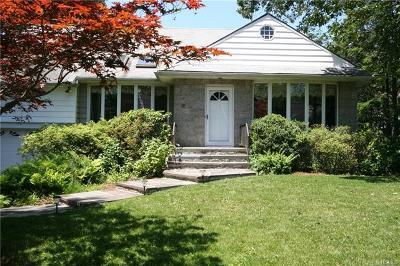 New Rochelle Single Family Home For Sale: 30 Carol Lane