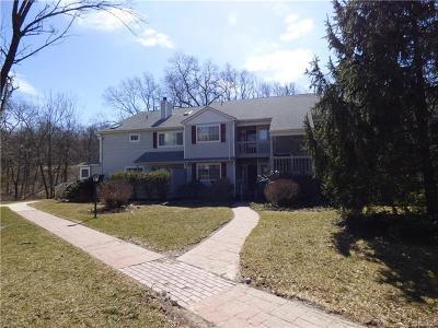 Warwick Condo/Townhouse For Sale: 37 Magnolia Lane